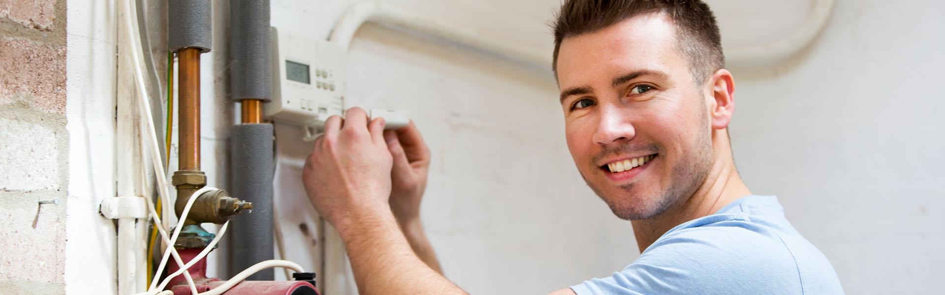 Hausmeister der Elektronik repariert